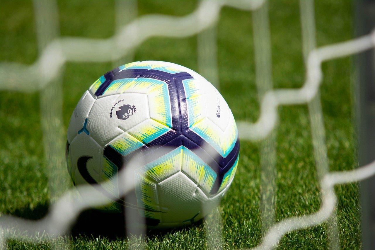 footballs-3597192_1280.jpg