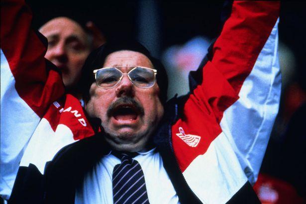 Ricky-Tomlinson-as-Mike-Bassett-England-Manager--2001.jpg